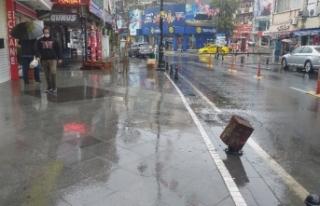 Sağanak yağış etkili olurken Meteorolojiden yeni...