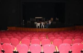 Trabzon Devlet Tiyatrosu 'Kuyucaklı Yusuf'...