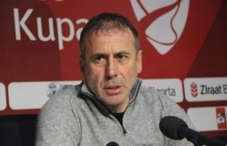 Trabzonspor'da Abdullah Avcı, takım savunması...