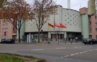 Almanya'da camiye asılsız bomba ihbarı ve...