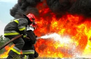 Ankara'da kereste fabrikasında yangın