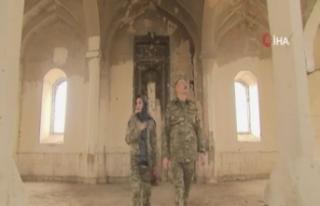 Azerbaycan Cumhurbaşkanı Aliyev ve eşinden örnek...
