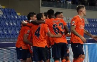 Başakşehir, evindeki 17. maçta 6. galibiyetini...