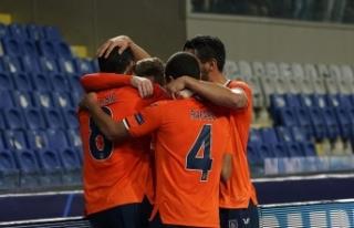Başakşehir, Şampiyonlar Ligi'ndeki ilk 3 puanını...