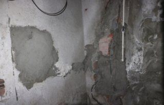 Duvarı delip iş yerine girdiler: Elektronik cihazları...