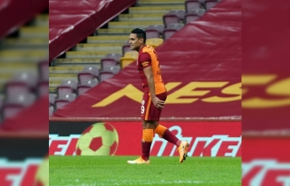 Galatasaray'da Falcao idmanı tamamlayamadı!