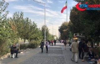 İran'da yeni Kovid-19 kısıtlamaları: İş...