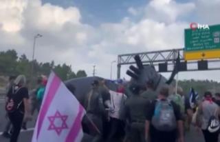 İsraillilerden Netanyahu karşıtı 'denizaltı'...