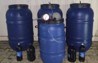 İzmir'de 900 litre kaçak içki ele geçirildi