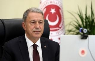 Milli Savunma Bakanı Akar, Azerbaycan'ın zaferini...