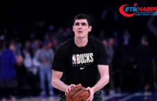 Milwaukee Bucks, milli basketbolcu Ersan İlyasova'yı...