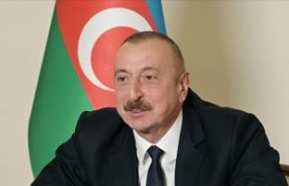 Ne mutlu bizlere, ne mutlu Azerbaycan Türklüğüne,...
