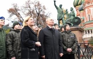 """Putin: """"Ermenistan ve Azerbaycan ile sürekli..."""