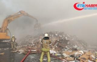 Zeytinburnu'nda geri dönüşüm tesisinde yangın:...