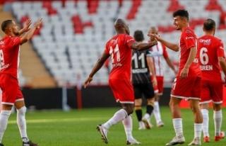 Antalyaspor, ilk deplasman galibiyetine Rize'de...