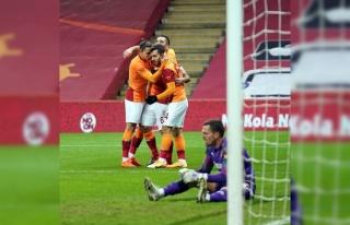 Arda Turan 2. golünü kaydetti