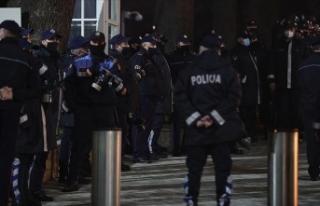 Arnavutluk'taki gergin protestolar 4. gününde...