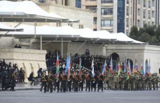 Azerbaycan, Dağlık Karabağ zaferini askeri geçit...