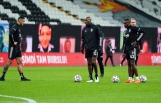 Beşiktaş savunmayı düzeltiyor