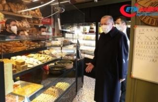 Cumhurbaşkanı Erdoğan İstanbul'da bir fırından...