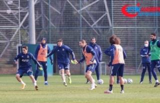 Fenerbahçe Denizlispor'u yenerek moral bulmak...