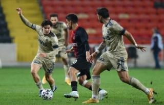Fenerbahçe'nin deplasmandaki galibiyet serisine...