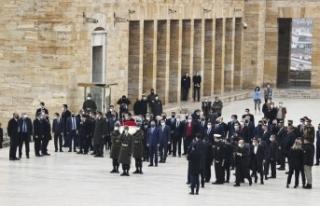 Irak Başbakanı Kazımi, Anıtkabir'i ziyaret...