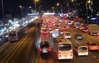 İstanbul'da trafik yoğunluğu; yüzde 71 seviyesine...