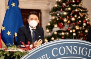 """İtalya Başbakanı Conte: """"Örnek olmak için..."""