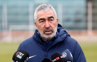 Adana Demirspor, teknik direktör Samet Aybaba ile...