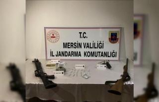 Mersin'de uyuşturucu satıcılarına dev operasyon:...