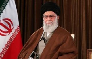 Muhalif gazetecinin idamını eleştiren İranlı...