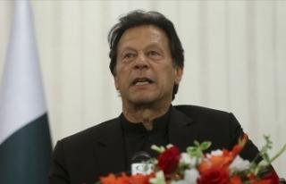 Pakistan'da muhalefet, Başbakan Han'dan...