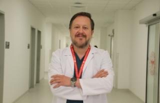 """Prof. Dr. Oğuztürk: """"Yumruk yumruğa tokalaşma..."""