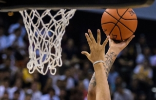 NBA'de Golden State Warriors, 22 sayı geriden...