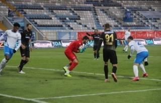 Mesut Bakkal ile galibiyet hasretini bitiren Erzurumspor'da...