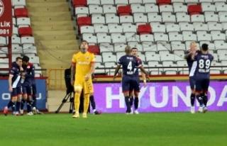 Süper Lig: FT Antalyaspor: 2 - İH Kayserispor: 0...