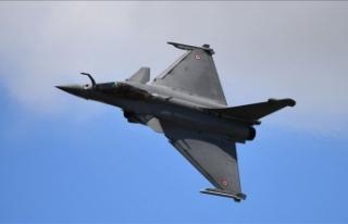 Yunanistan 18 Rafale uçağı için Fransa'ya...