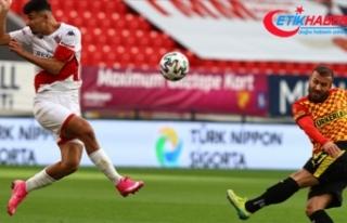 Antalyaspor bu sezon ilk deplasman galibiyetini Göztepe'den...