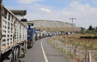 Birleşmiş Milletlerden İdlib'e 86 tır insani...