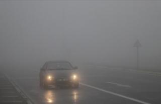 Bolu Dağı'nda sağanak ve sis ulaşımı olumsuz...