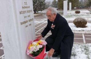 DSP Genel Başkanı Aksakal, merhum Rahşan Ecevit'i...
