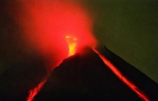 Endonezya'da Merapi Yanardağı'nda son...