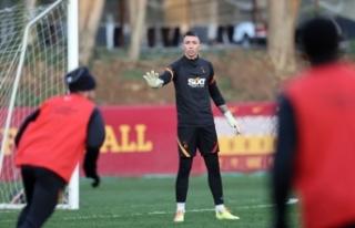Galatasaray'da Muslera ve Feghouli, takımla birlikte...