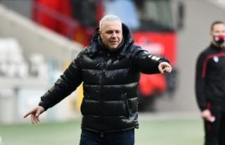 Çaykur Rizespor'da teknik direktör Marius Sumudica,...