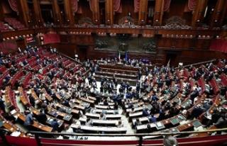İtalya'da koalisyon hükümeti Temsilciler Meclisi'nden...