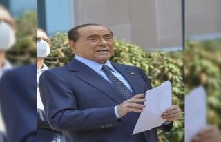 İtalya eski Başbakanı Berlusconi hastaneye kaldırıldı