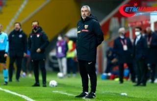 Kayserispor teknik direktör Samet Aybaba ile yollarını...