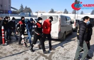 SGK'yı zarara uğratan 26 kişi polis operasyonuyla...