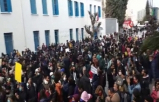 Tunus'taki protestolar şiddetlendi